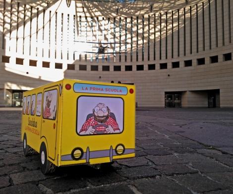 Lo scuolabus di Staino al MART per la premiazione dei borsisti!